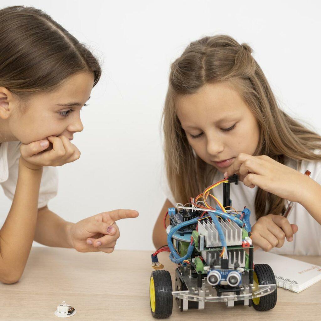 Dekleta-in-robotika