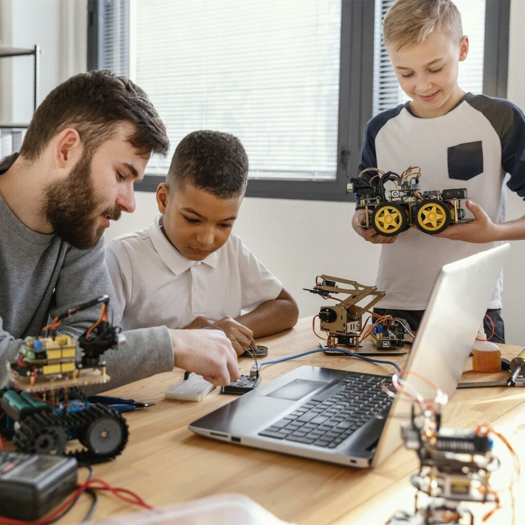 Otroci-in-roboti